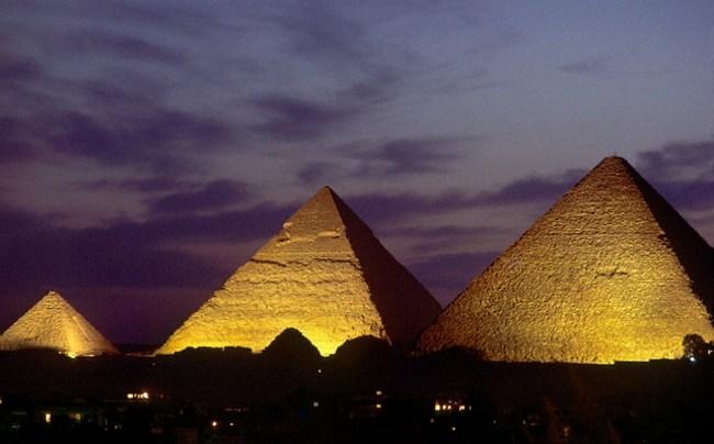 Пирамиды на закате