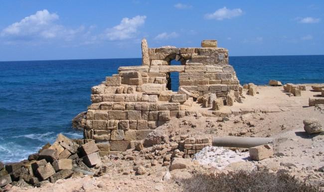 Руины на месте маяка