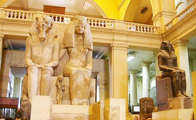 Древние экспонаты