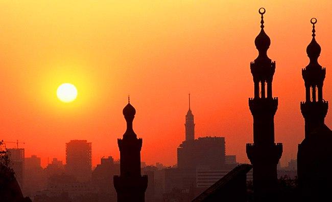 Закат над храмом
