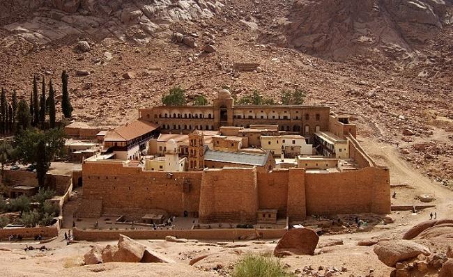 Каменный храм