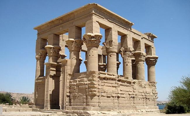 Причудливые колонны