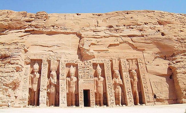 Малый храм Нефертари