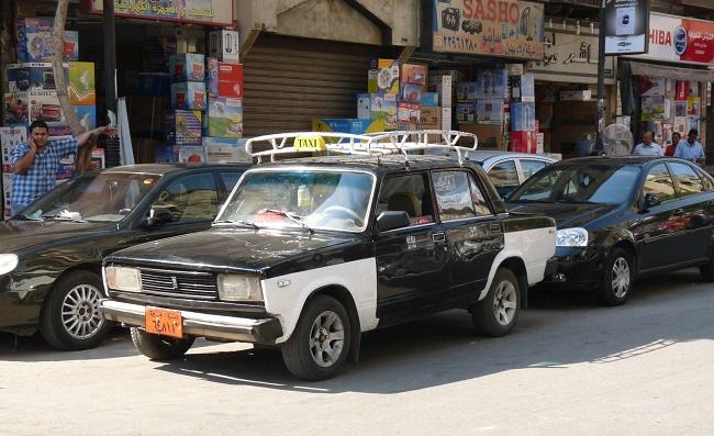 Черно-белая машина